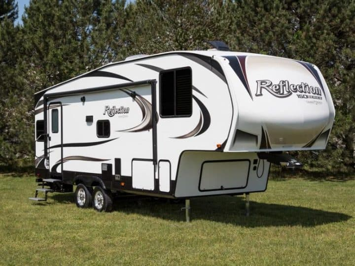 Fifth Wheel exterior