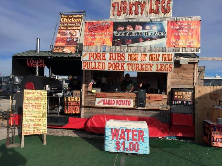 Quartzsite BBQ food stand