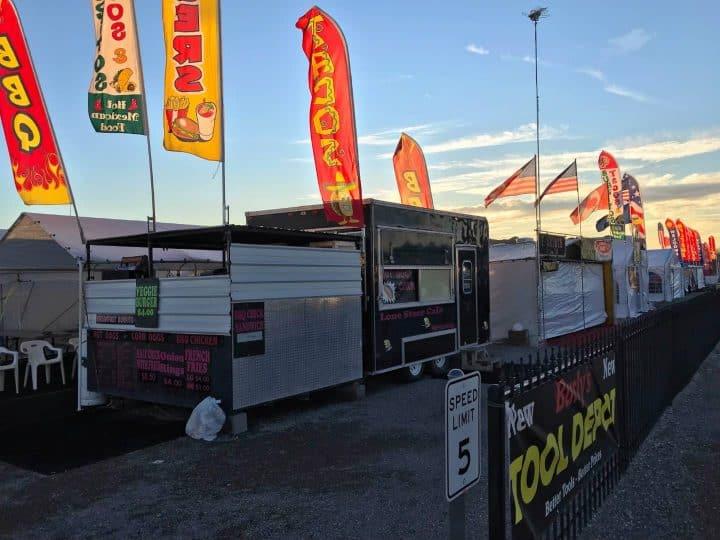 Quartzsite Flea Market Vendors