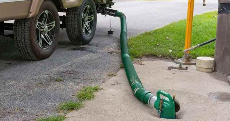 What is the Best RV Sewer Hose Kit in 2020? - Camp Addict