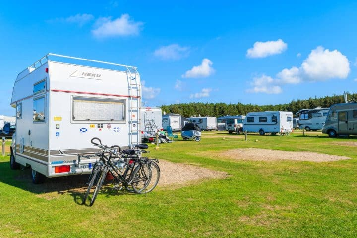 RVs in no frills campground