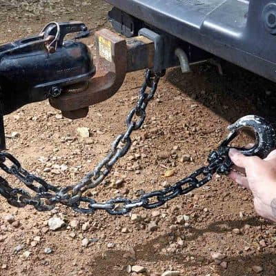 Trailer tow safety chains crossed